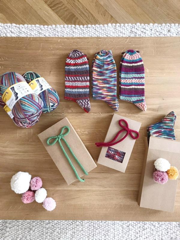 Socken aus REGIA Season Color wunderschön verpackt