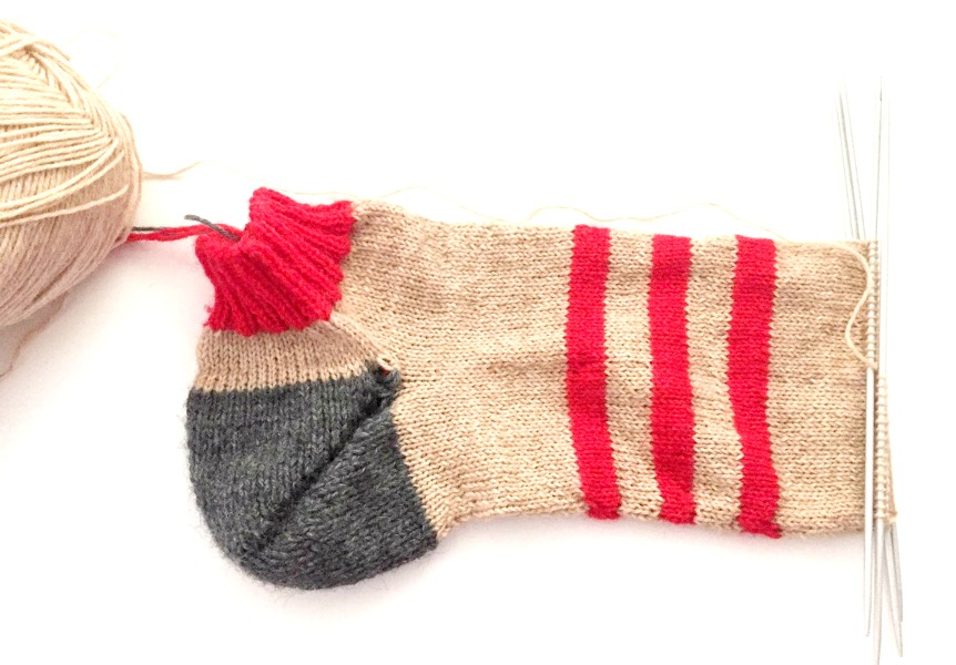 On the needles: Sneaker-socks by Dieter Fieber