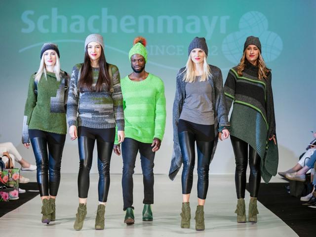 Schachenmayr setzt bei der Modenschau auf Trendfarbe greenery