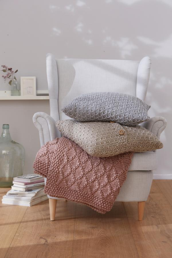 Pillows and Plaid, S10024