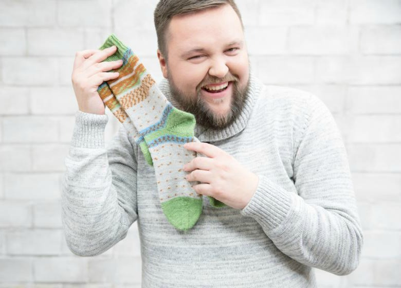 Lutz from Maleknitting showing his REGIA Pairfect Socks