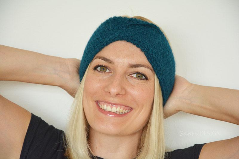 Porträtfoto der Knitfluencerin Sarah von Sapri Design