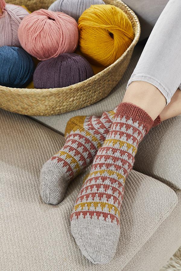 Socken R0360 aus REGIA PREMIUM Merino Yak entworfen von Kerstin Balke