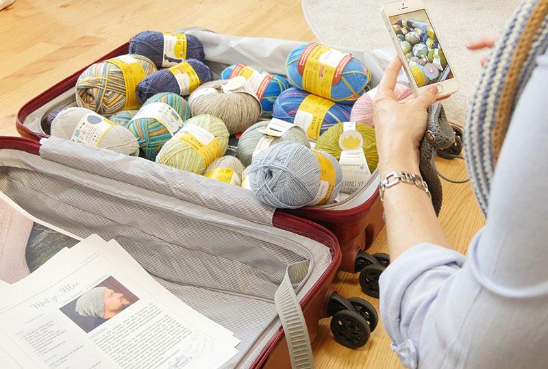 Gefüllter Koffer von travelite für das REGIA Travel Color Gewinnspiel