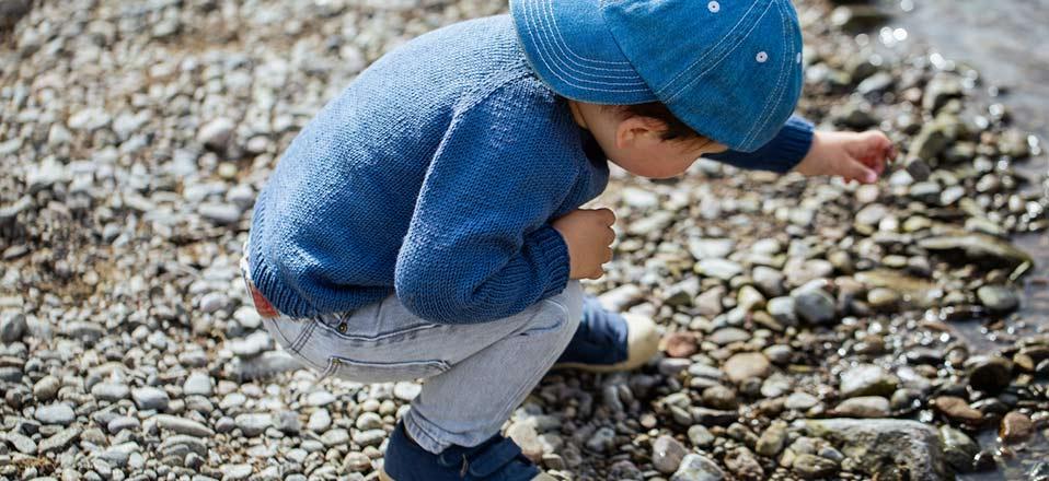 Charlie - Little Flex Essentials - blue sweater